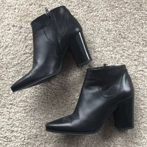 Zara Black leather pointed toe ankle boots